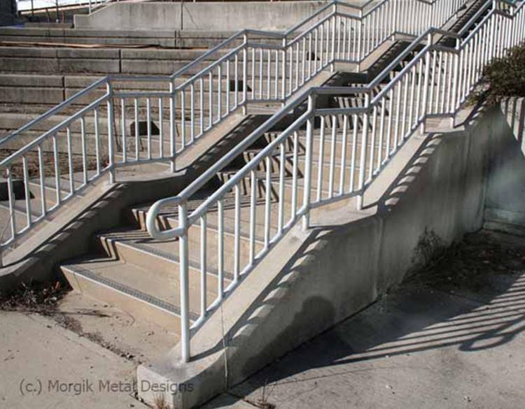 custom_aluminum_exterior_railing_1